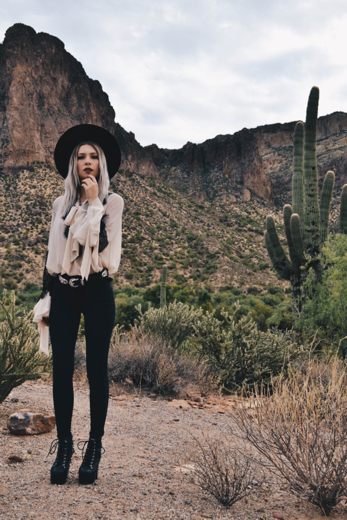 fashion blogger witch arizona edgy